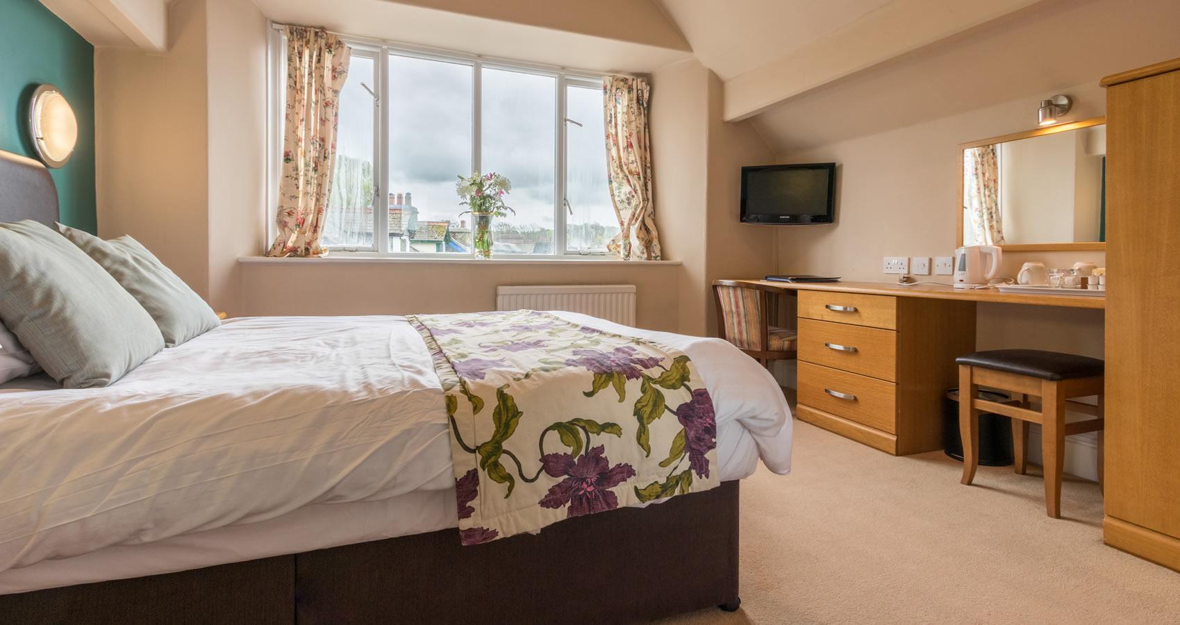 standard-double-room16